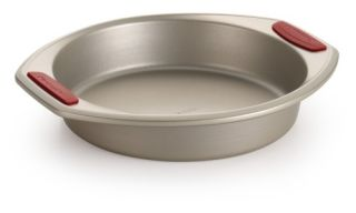 KitchenAid Gourmet Bakeware 9 in. Round Cake Pan with Silicone Grips   Red   Brownie & Cake Pans