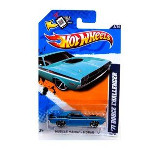 2012 Hot Wheels Muscle Mania   Mopar '71 Dodge Challenger Blue Green #82/247 Toys & Games